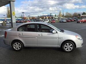 2009 Hyundai Accent 3Dr GL at LOW KMS ! *Auto* ! Great 1ST Car ! Comox / Courtenay / Cumberland Comox Valley Area image 4