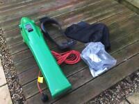Garden Vacuum GV750 with Leaf Shredder