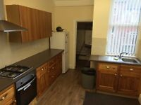 Clean Mature Shared House Close To Kirkstall Road / Bramley Centre - Easy Access 2 Leeds City Centre