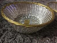 Metal bread baskets