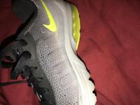 nike air inviger trainers offers accepted