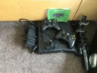 Xbox 360 500mb with Kinnect and 2 controllers with charging port