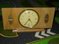 Vintage marble looking windup tempora clock