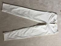Ladies Zara cream skinny jeans size 8-10 never worn