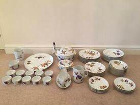 Royal Worcester Evesham Dining Set