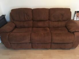 Three Piece Suite : 3, 2 and 1 reclining seaters