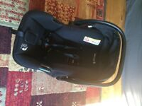 Baby Jogger Deluxe Carrycot and City Select Car seat