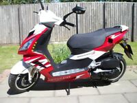 Peugeot Speedfight 125cc Scooter - Automatic - Red and White