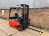 Linde E16 Electric forklift. Triple mast with sideshift