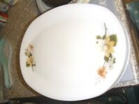 DINNER PLATES LARGE OVAL.