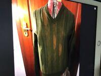 Gabicci mans V neck jumper in Bottle green with tan vertical stripes medium brand new