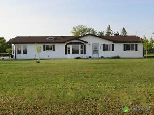 $279,900 - Manufactured home for sale in Stirling