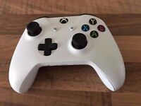 XBOX One S Official Controller white