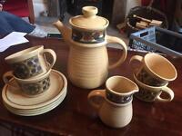 J&G Meakin Retro coffee/tea pot set x4 cups and saucers w/milk jug