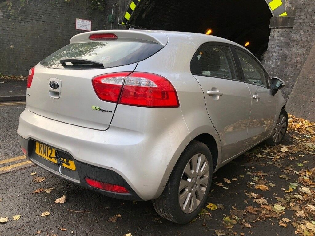 Kia Rio 2013 1 4 Diesel 5dr Silver Breaking For Spares In
