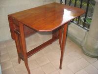 Edwardian mahogany style Sutherland coffee table, 2 side flaps, dropleaf gateleg fretwork stretcher