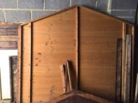 Small garden shed – perfect for bicycles/gardening equipment – FREE!