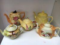 Lovely set of vintage teapots