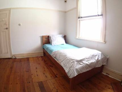 $230 female room for rent near by westfield