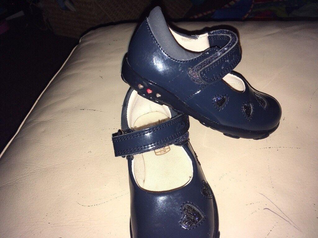 Girls Clarks lights shoes