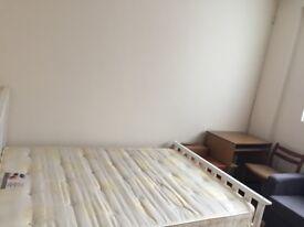 Studio Apartment---N19--Zone 2----Prime Location----£890 PM