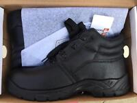 Brand new men safety boots