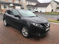 Nissan QASHQAI for Sale. Black - 14 Plate, FSH, 30,000 miles, build-in Sat Nav, Parking Camera