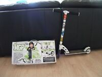 MGP MAD SCOOTER IN BOX SUIT 5 YEARS +