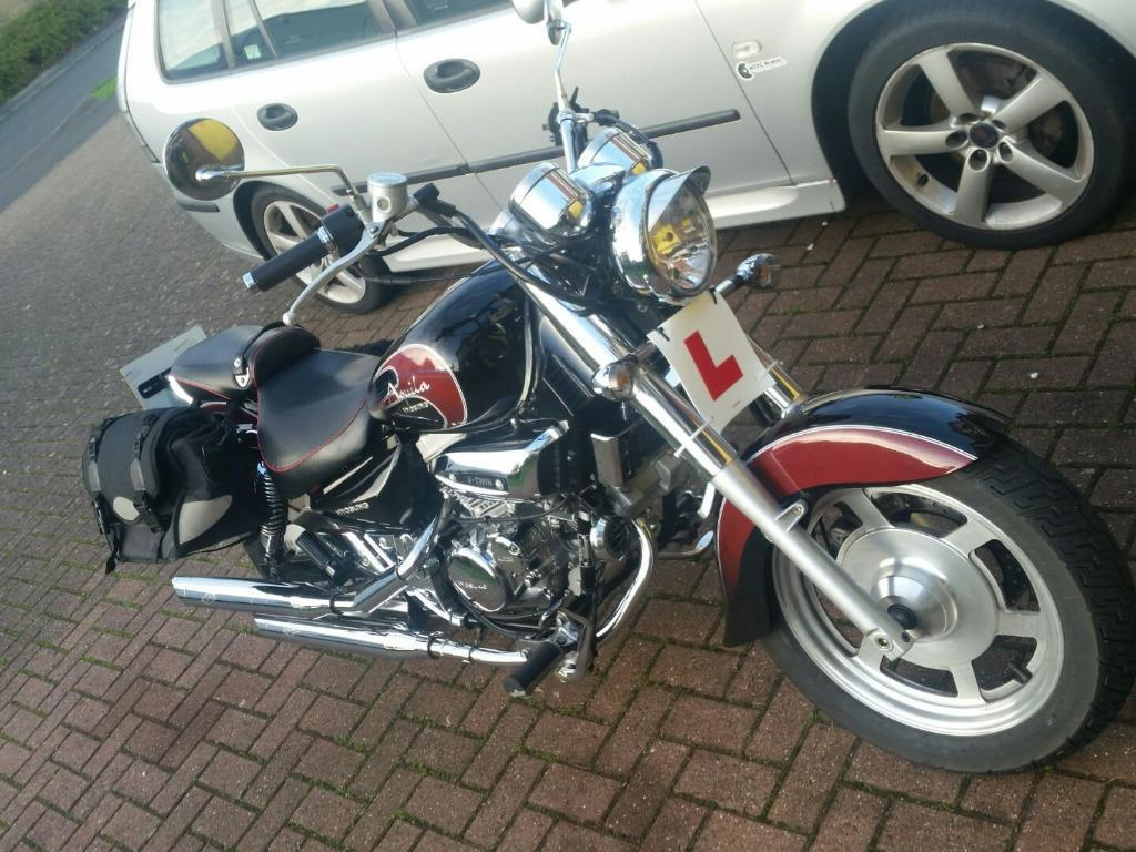 Hyosung GV125 Aquila with Custom Exhausts Great Learner Cruiser Very Low  3400 Miles!