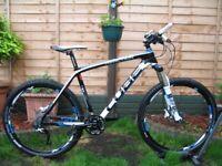 CUBE Reaction GTC CARBON Mountain Bike. 26''wheels. 10.8kg.30speed.FOX. XT. SLX. Excellent condition