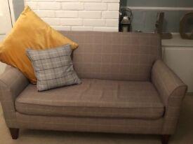 Petite lounge chair / sofa
