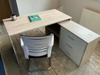 Corner desk - excellent condition with 3 drawers & 2 shelves