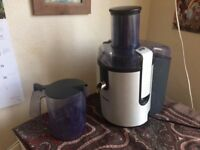 PPhilips Fruit and veg electric juicer