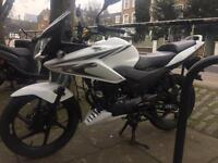 Honda cbf 125 cbf125 (2014) perfect condition