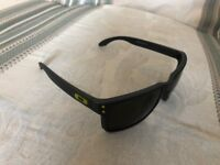 Oakly Holbrook sunglasses excellent condition