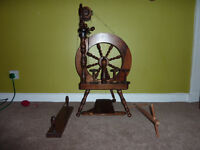 ASHFORD TRAVELLER SPINNING WHEEL*SINGLE TREADLE* SINGLE DRIVE*PLUS ACCESSORIES