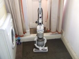 reconditioned white dc25 dyson ball with tools and guarantee.