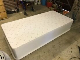 Single divan bed base