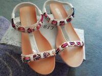 Women's white Sparkly sandals size 5 Brand New