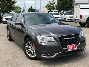2017 Chrysler 300 TOURING**LEATHER**PANORAMIC SUNROOF**NAVIGATIO