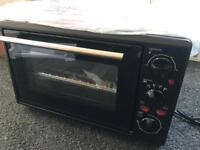 Mini countertop oven with hot plates