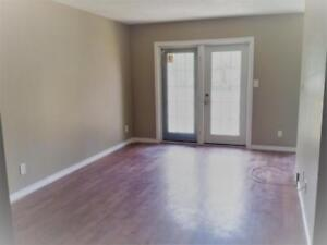 Three Bedroom at 323 Angus Street FOR RENT!!!