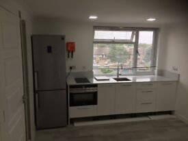 High quality en-suite studio room with kitchen area and Bathroom near Heathrow Available