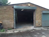 Unit to let off busy main road in Hilltop