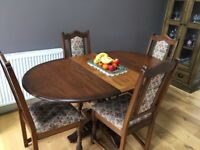 Dining Room Table and Chairs Excellent Condition