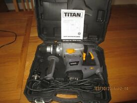 TITAN ELECTRIC ROTARY HAMMER DRILL