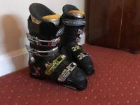 Ski boots - Salomon Xwave size 8. Good condition