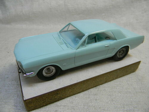 1/25 SCALE VINTAGE ORIGINAL AMT MUSTANG COUPE AQUA SLOT CAR-RARE!