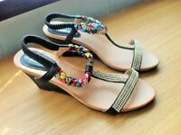 """New Ladies Pretty Modern Sandals with 3"""" wedge heel size 8"""