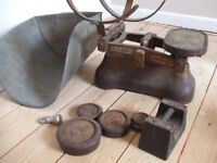 Old weighing scale + weights